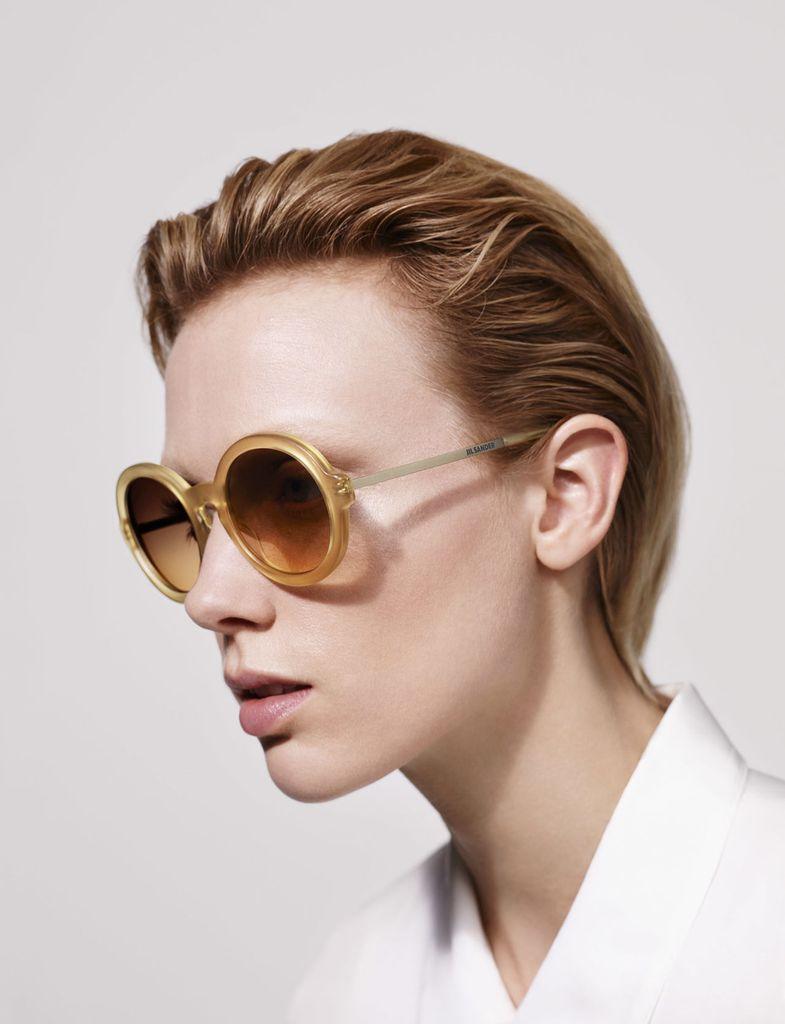 Jil Sanders nye solbrillekolleksjon er produsert av Rodenstock.