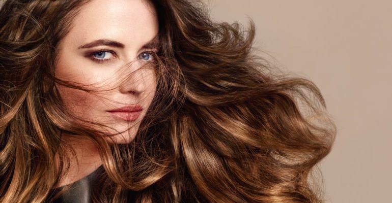 Fargetrenden Bronde presentert av Eva Green for L'Oréal Professionnel.
