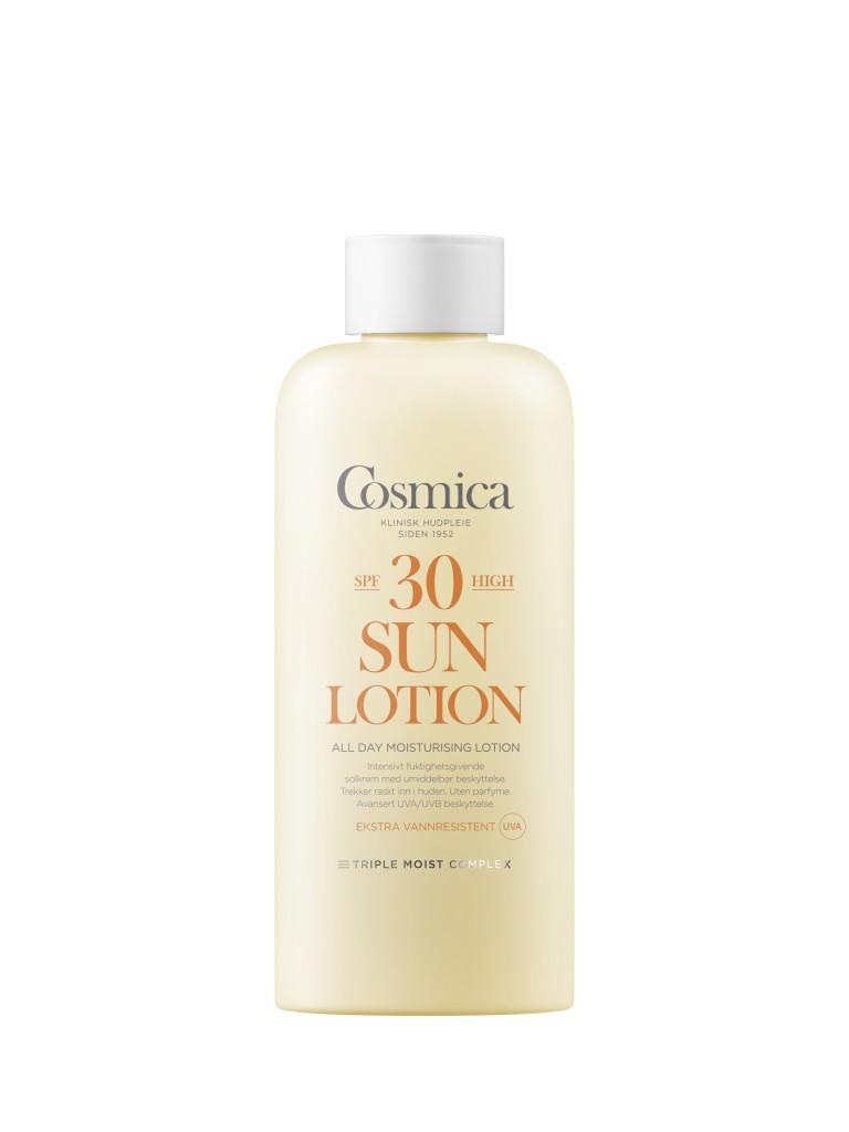 Big Pack er en trend, for det er viktig å smøre på tilstrekkelig med solkrem! Cosmica inkluderer nå et Triple Moist Complex som gir ekstra mye fuktighet til huden.